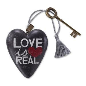 Love is Real Art Heart 1003480010 NEW